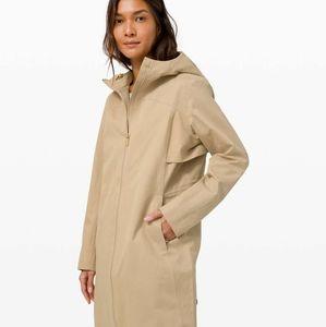 Lululemon rain rebel raincoat